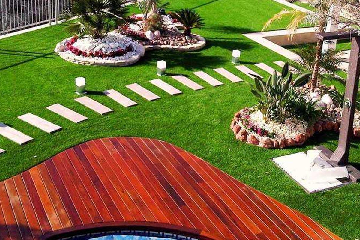 La mejor opci n para el jard n es el c sped artificial for Cesped para jardin