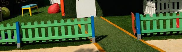 Césped artificial parque infantil sevilla